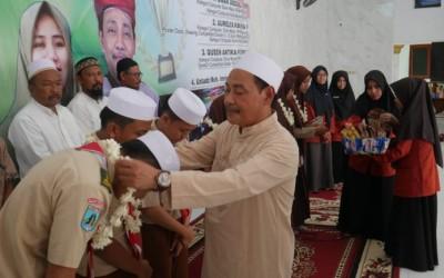 KH Moh Hasan Mutawakkil Alallah, BERI PENGHARGAAN KEPADA 11 SISWA SMAU BERPRESTASI INTERNATIONAL