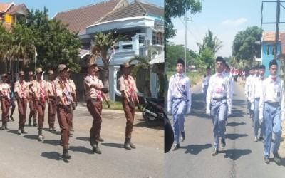 Dua Peleton Santri SMAU Meriahkan Lomba Gerak Jalan